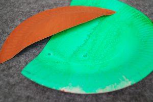 papierteller-hexe-basteln-mit-kindern