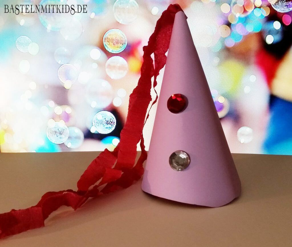 Eine Krone Oder Einen Party Hut Schnell Mit Kindern Basteln