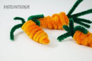 Eine Karotte basteln mit biegeplüsch