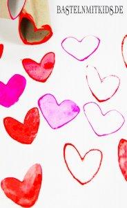 Herzstempel mit Klopapierrollen basteln