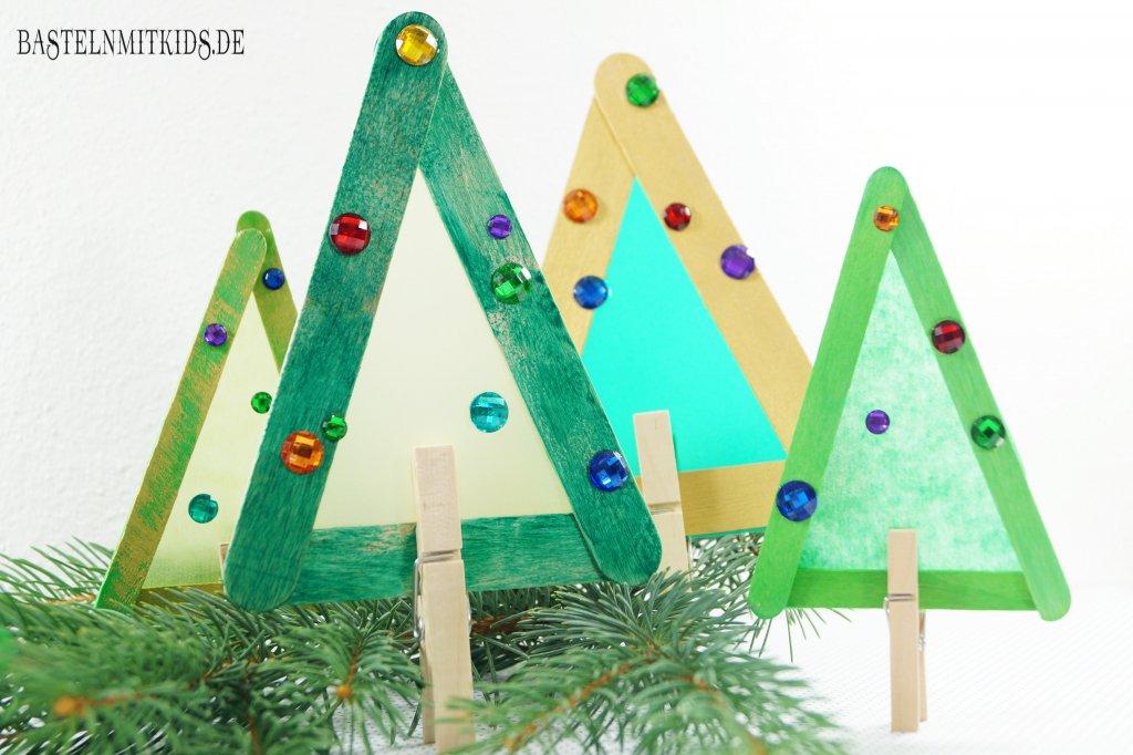 tannenbaum basteln mit kindern und kleinkindern bastelnmitkids. Black Bedroom Furniture Sets. Home Design Ideas